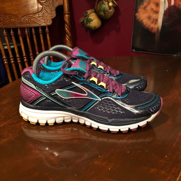 Brooks Shoes - Women's Brooks Ghost 8 Running Shoes